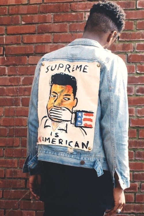 Ilustrasi Gambar Fashion Hand Painted or Patch Jeans Jacket. Image: Pinterest.com